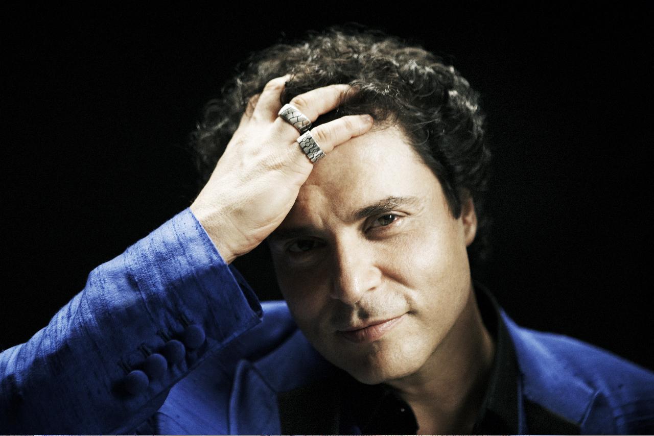 Frejat traz show solo para Curitiba neste final de semana