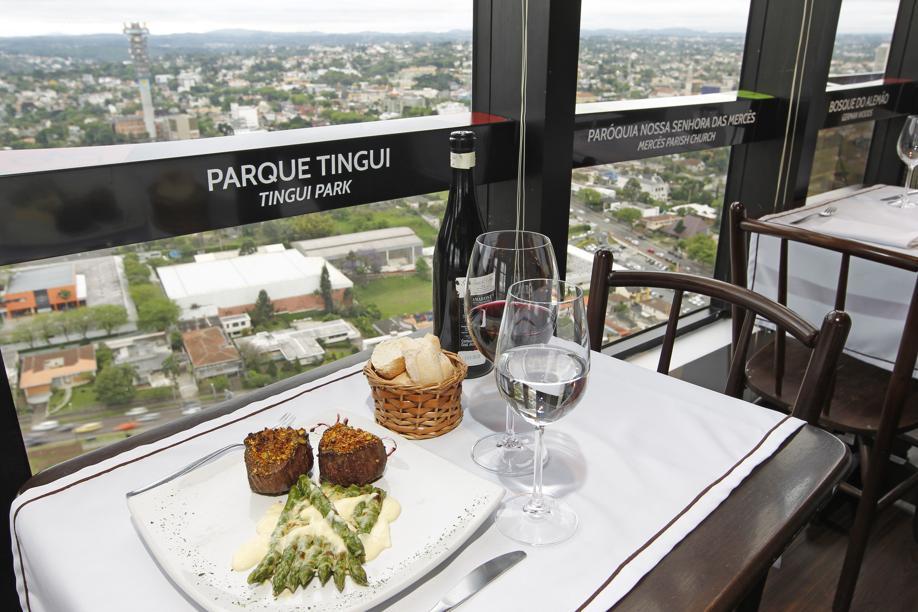 Lugares para comer nas alturas em Curitiba