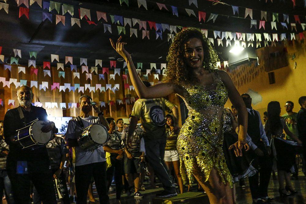 Acadêmicos da Realeza vai fazer homenagem ao Chacrinha em 2018