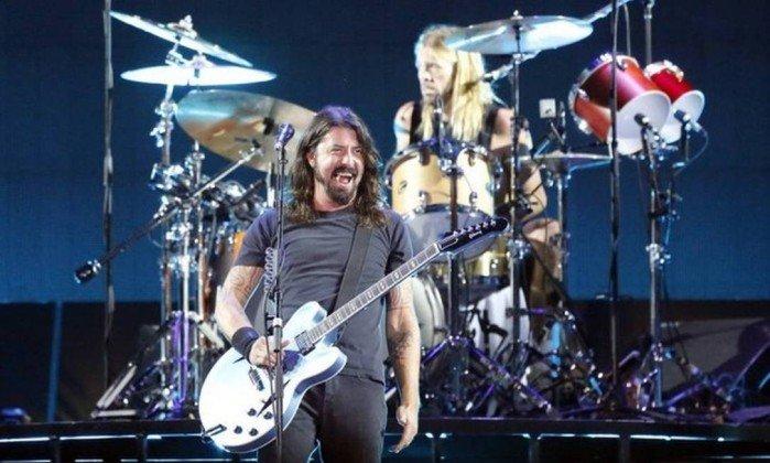 Como foi o primeiro show do Foo Fighters e Queens of The Stone Age no Brasil