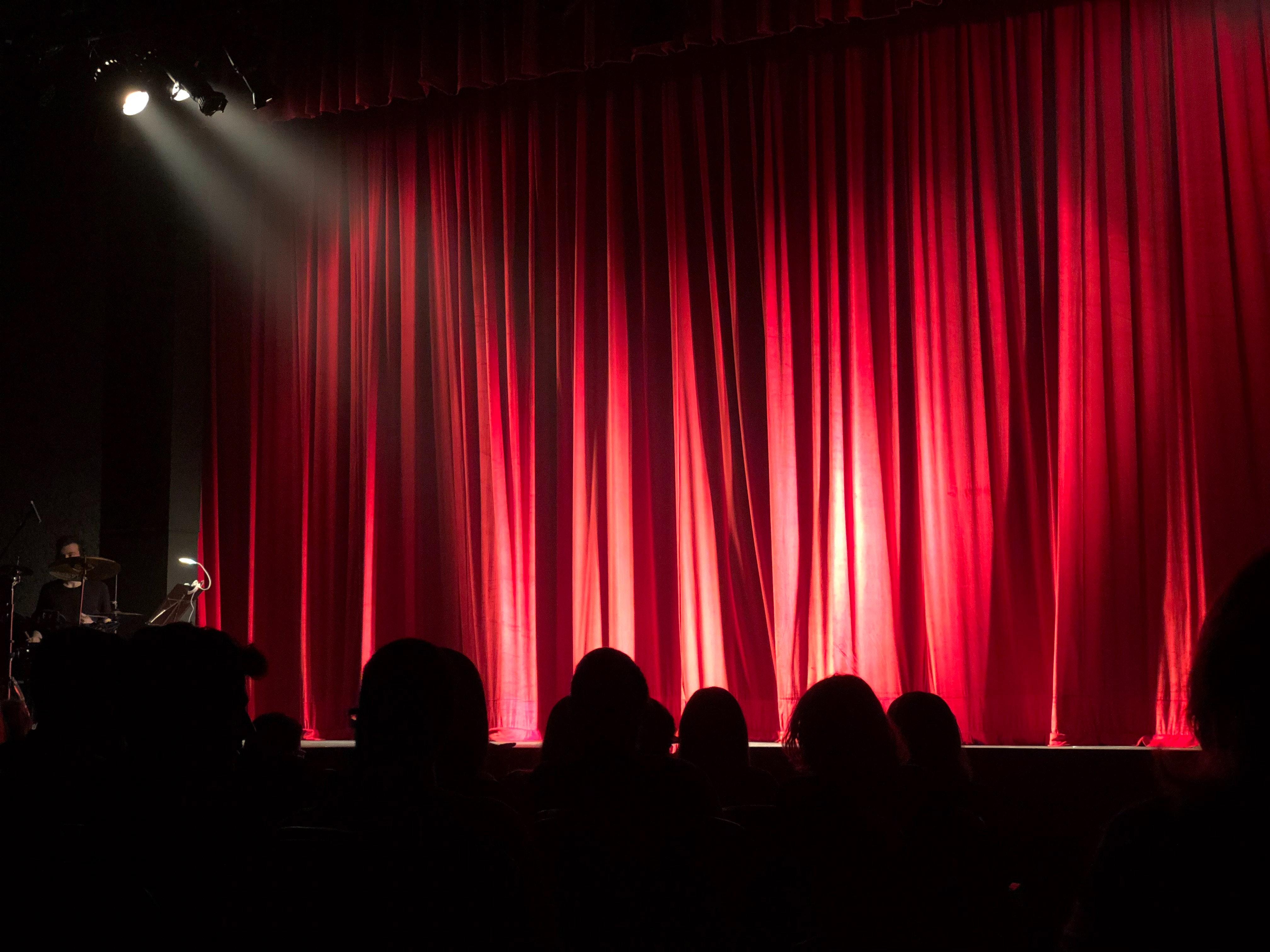 Três peças de teatro para assistir e pagar o quanto quiser