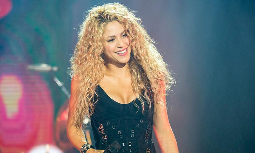 Shakira anuncia datas de dois shows no Brasil