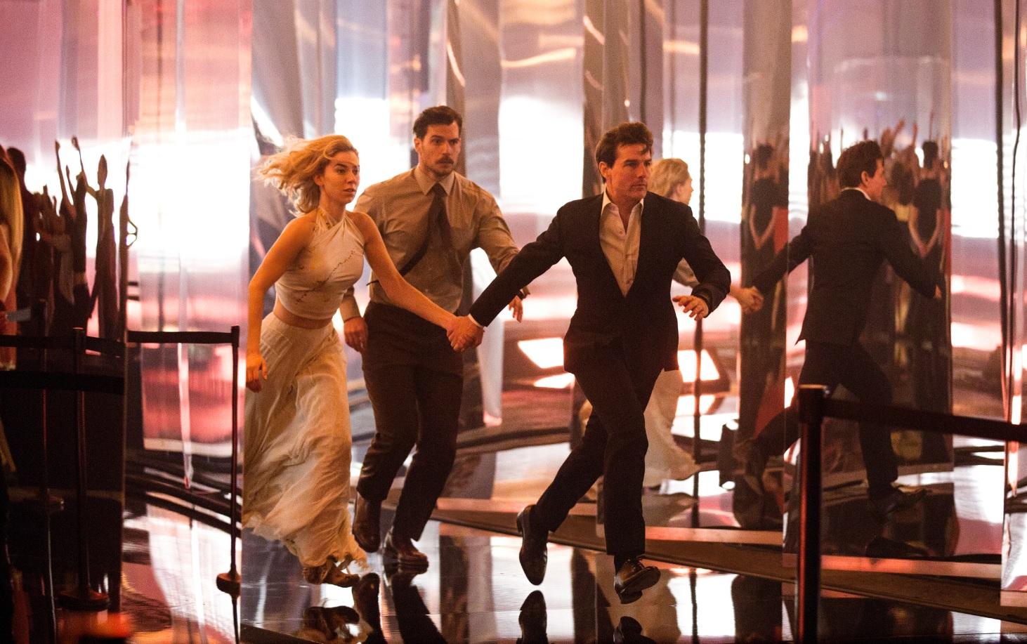 Tom Cruise corre riscos estapafúrdios e sem graça no novo 'Missão: Impossível'