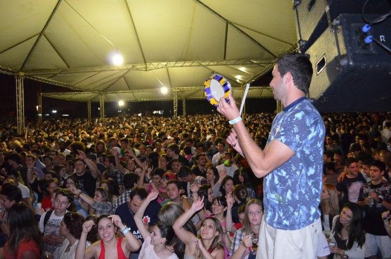 Roteiro: confira as principais festas universitárias de retorno às aulas