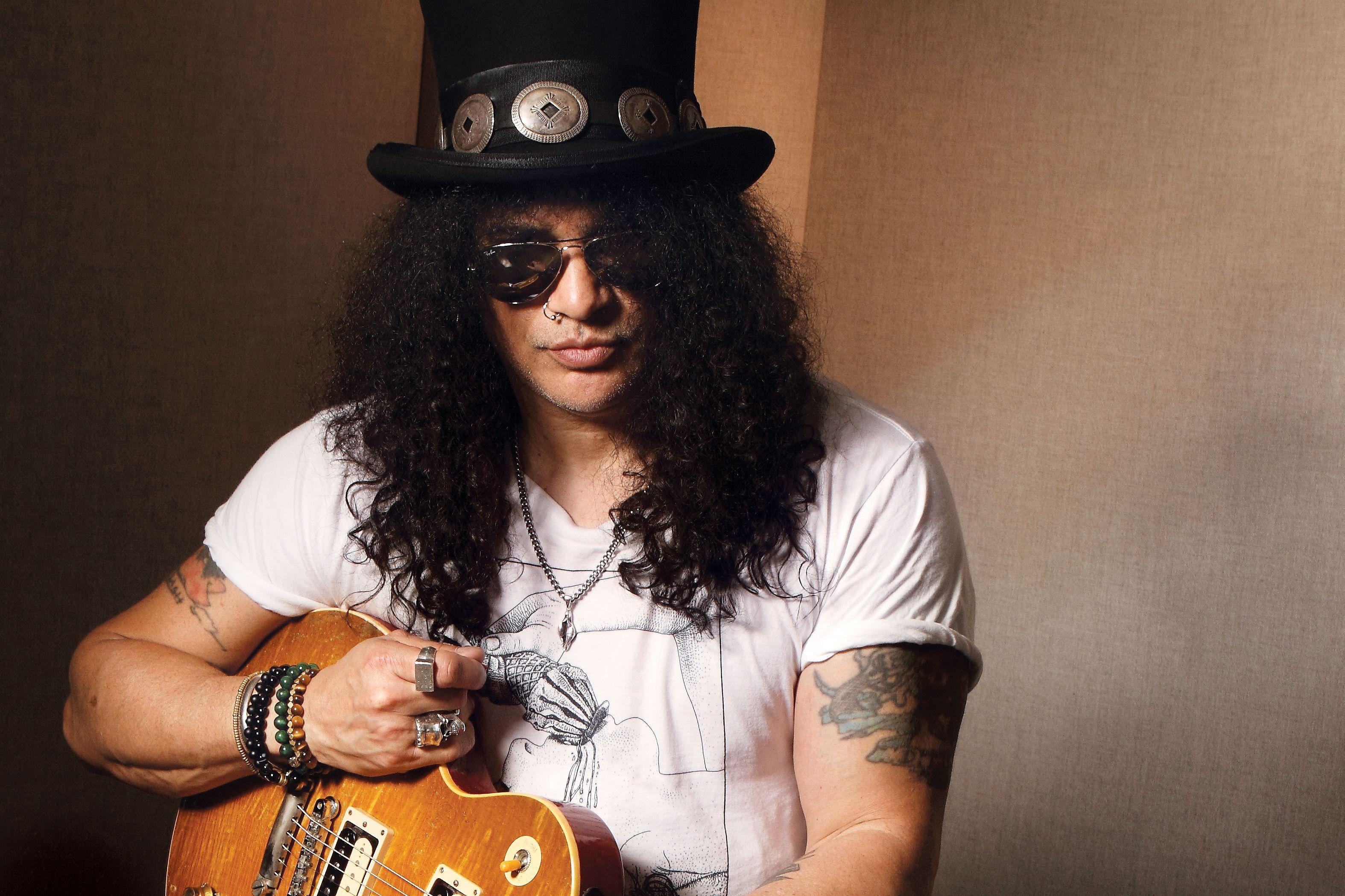 Slash vem a Curitiba em 2019