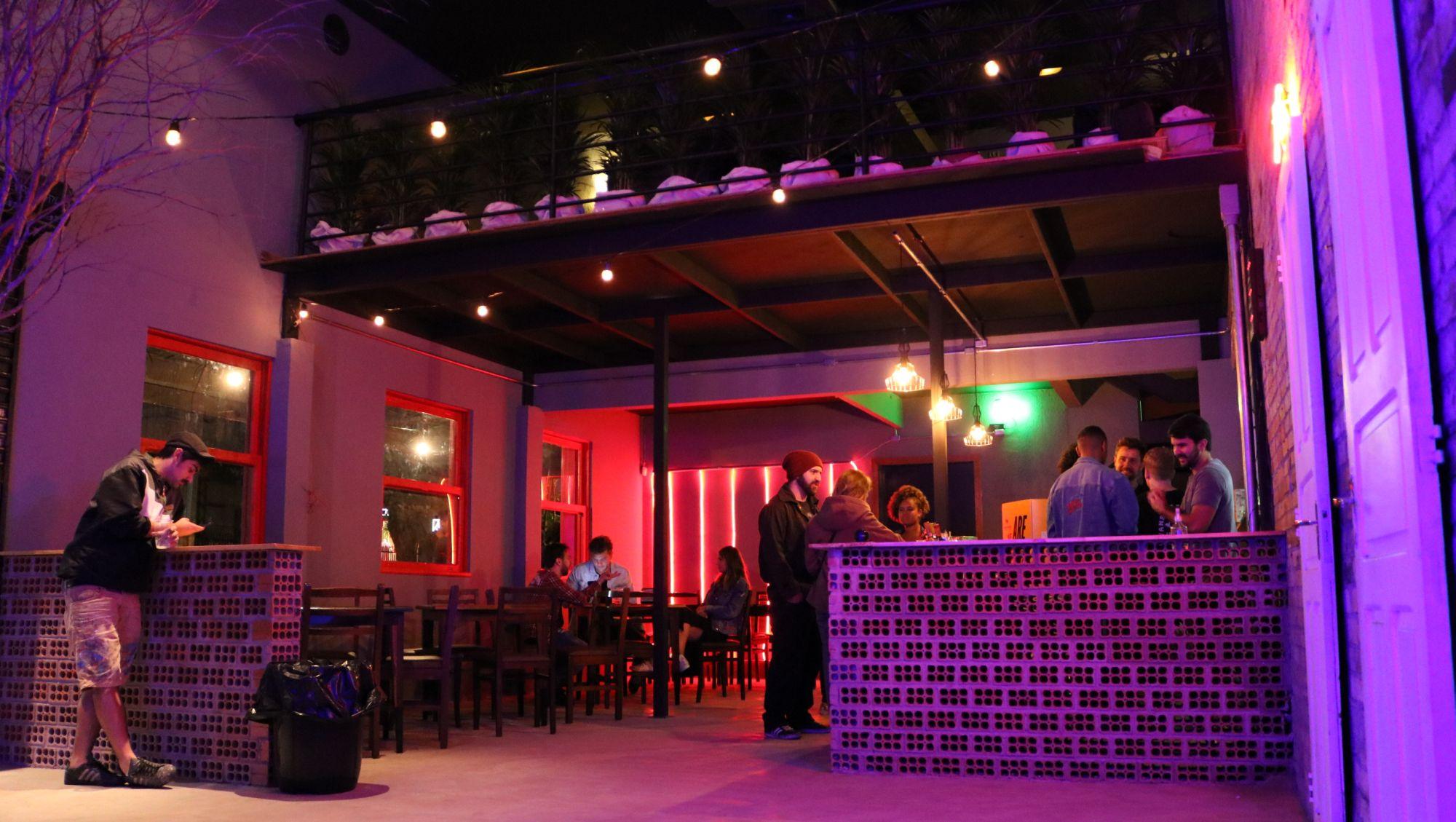 Bar temporário na Prudente de Moraes funcionará até o fim do verão