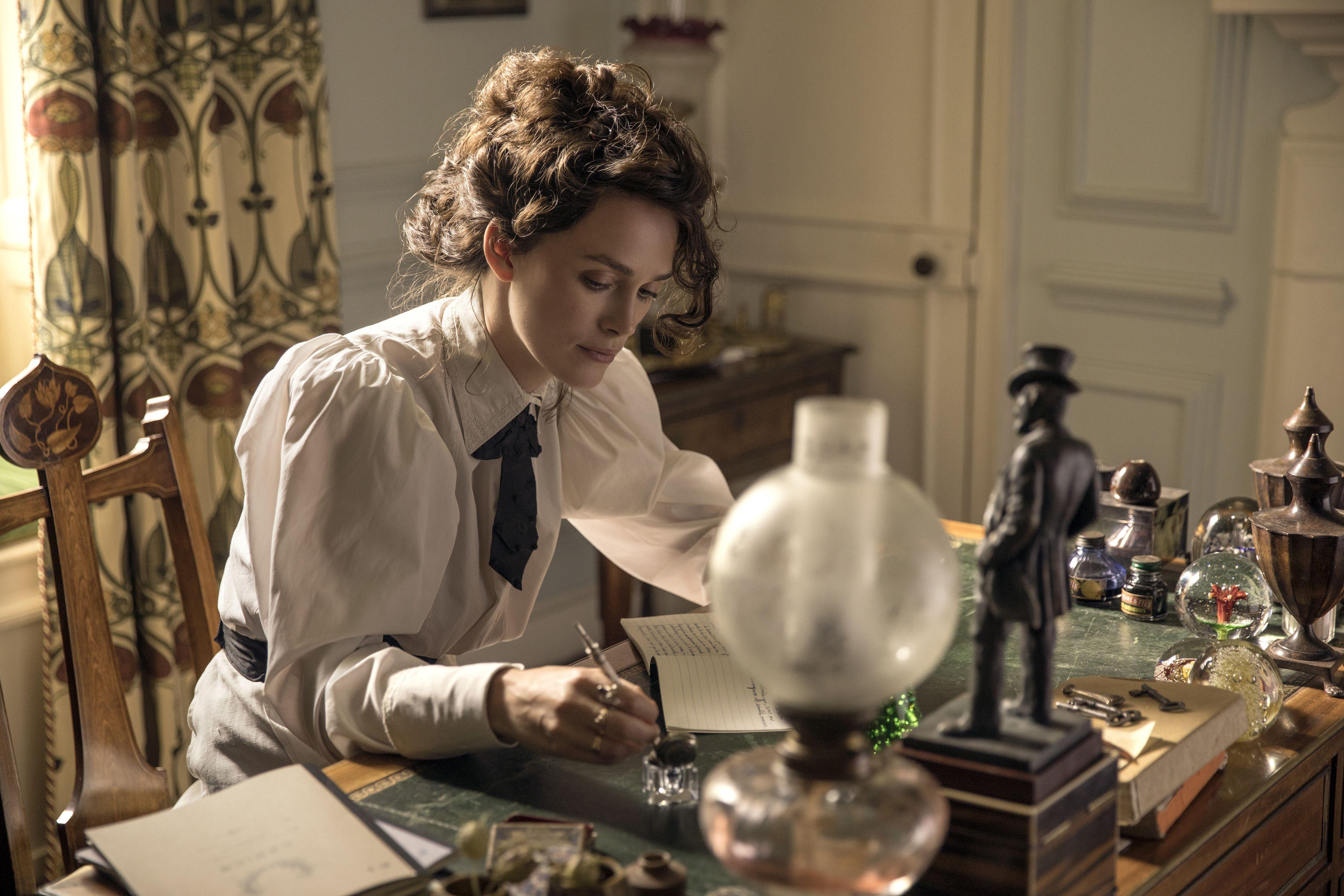 Com ótima atuação de Keira Knightley, Colette debate transgressão
