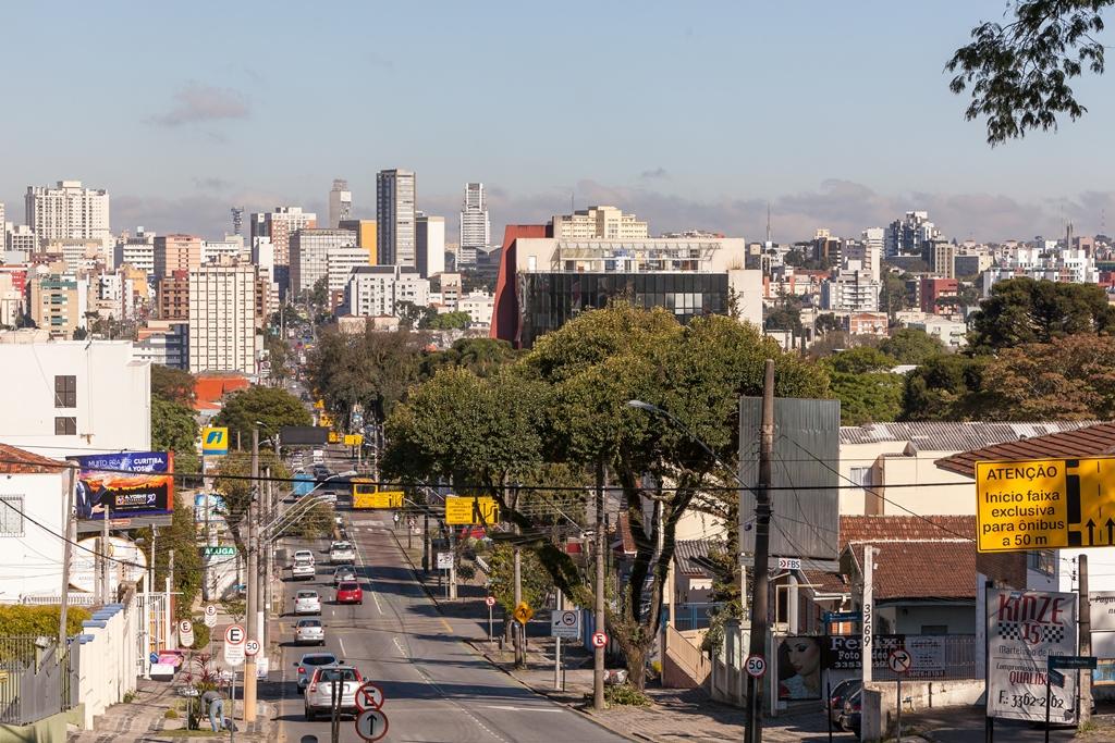 Vai ficar em Curitiba na virada do ano? Saiba de onde ver o foguetório de Ano Novo