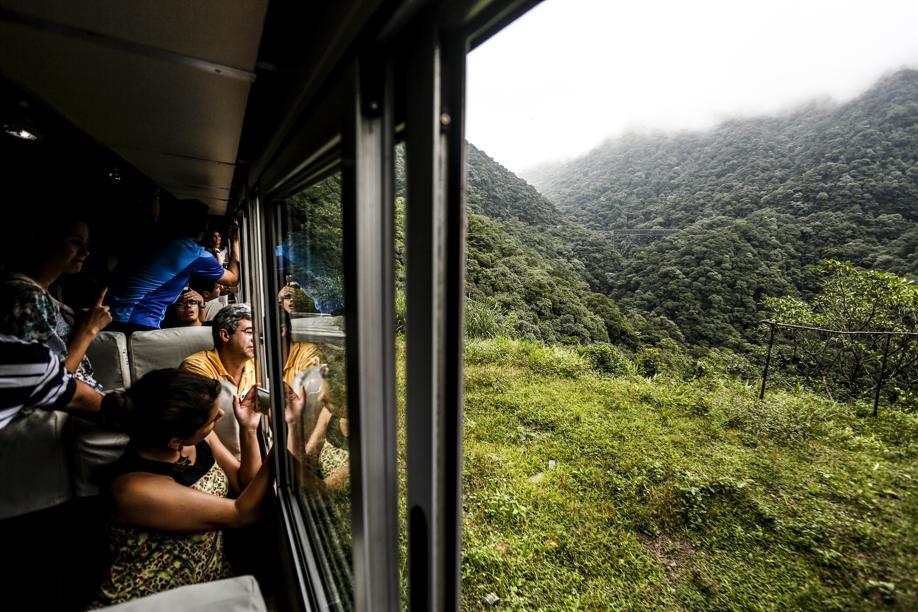 Nas férias, trem até Morretes passa a operar todos os dias