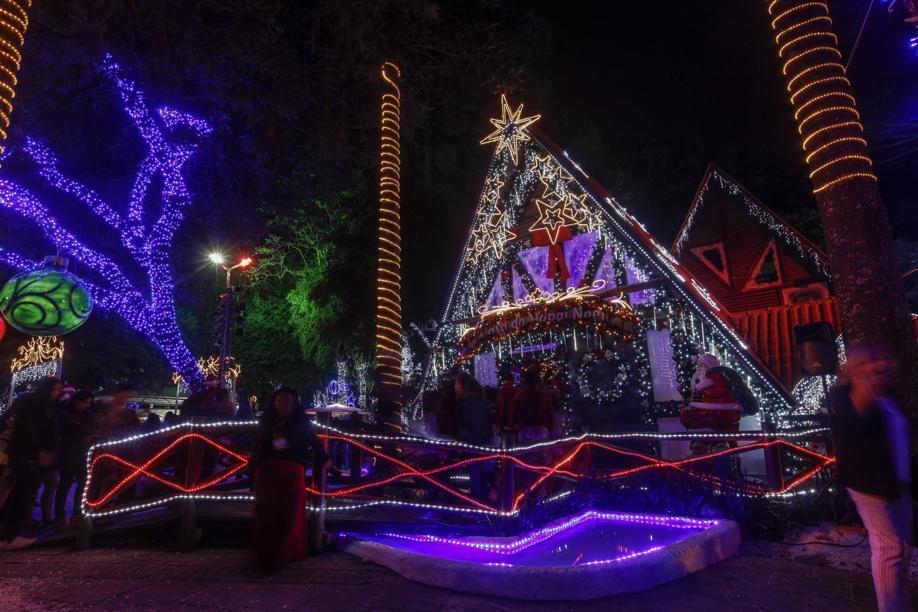 Casa do Papai Noel funciona com entrada gratuita no Natal