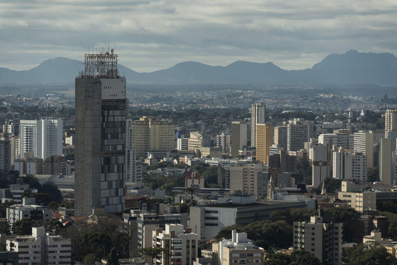 4 lugares em Curitiba com vista para a Serra do Mar