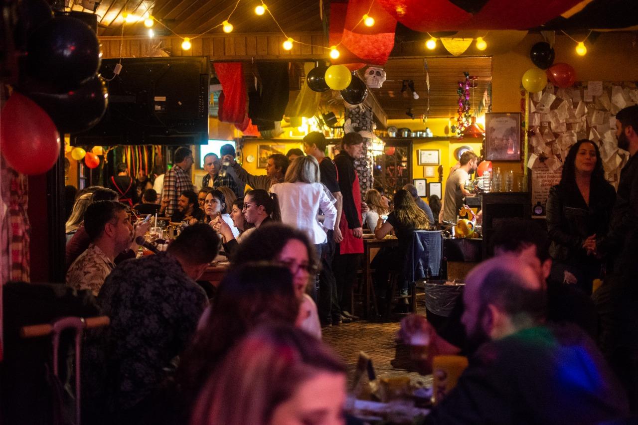 Queridinhos da boemia, bares de Curitiba completam 10 anos