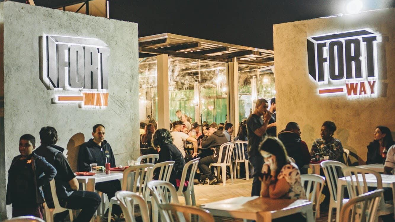 Espaço gastronômico inaugura em Colombo com 11 operações