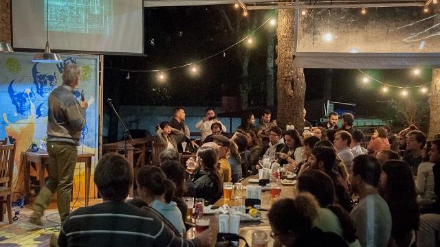 Bares de Curitiba viram palco para discutir ciência