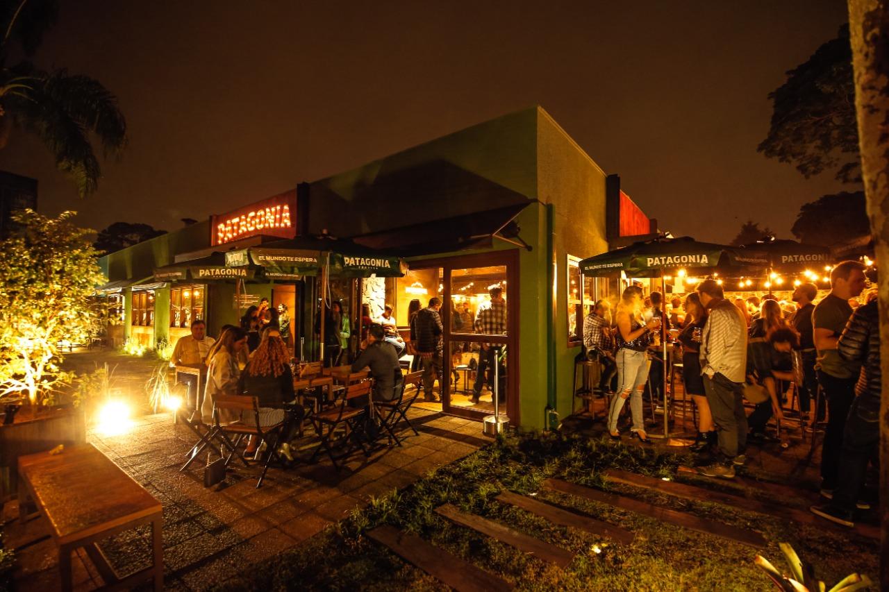 Bar da cerveja Patagonia libera suas torneiras para cervejas artesanais de Curitiba