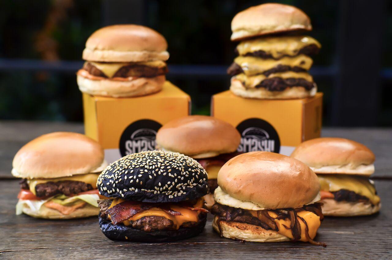Ex-MasterChef abre hamburgueria com sanduíches a partir de R$ 12