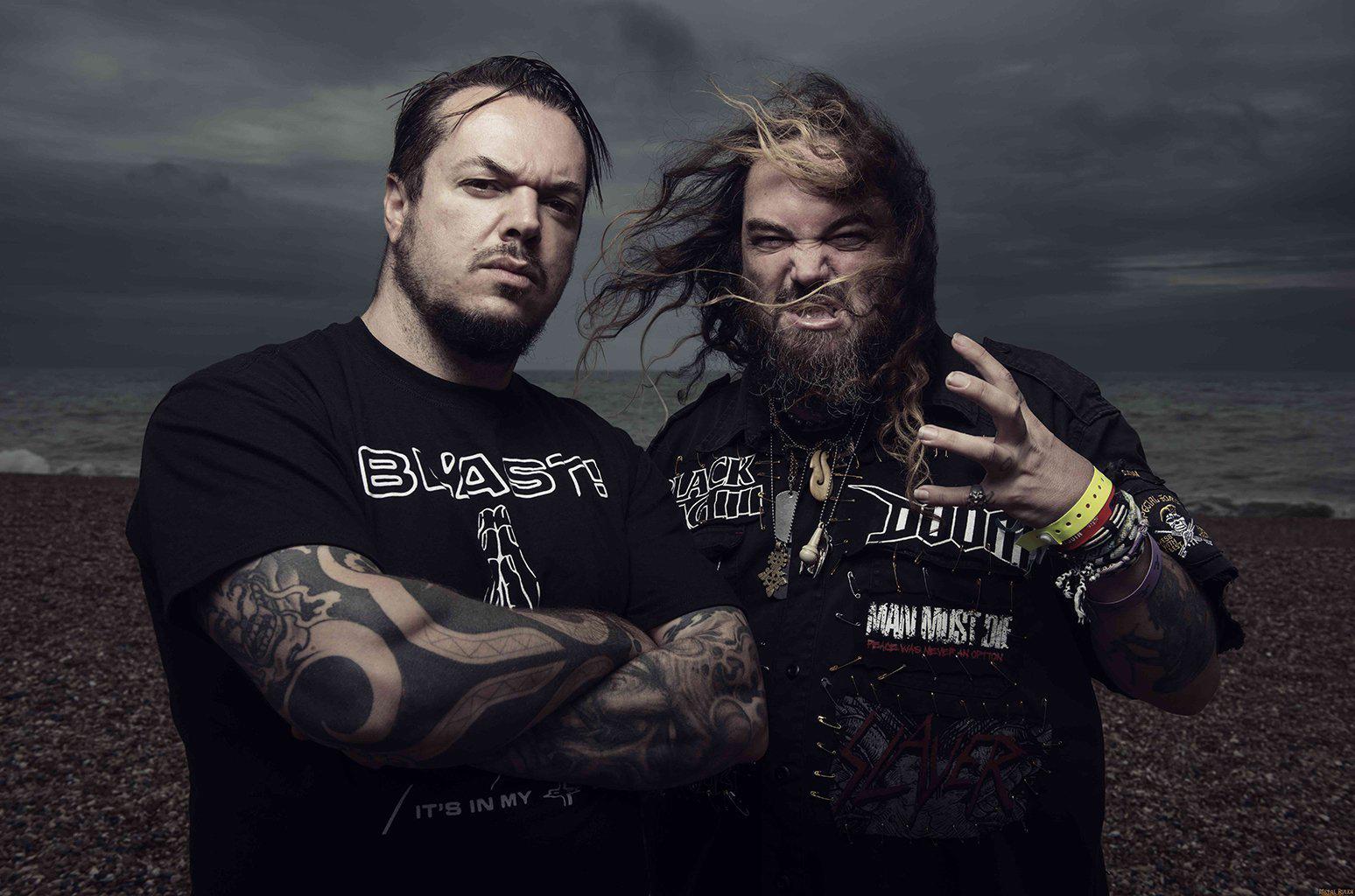 """""""O metal é a trilha sonora perfeita do caos do mundo atual"""", diz Max Cavalera"""