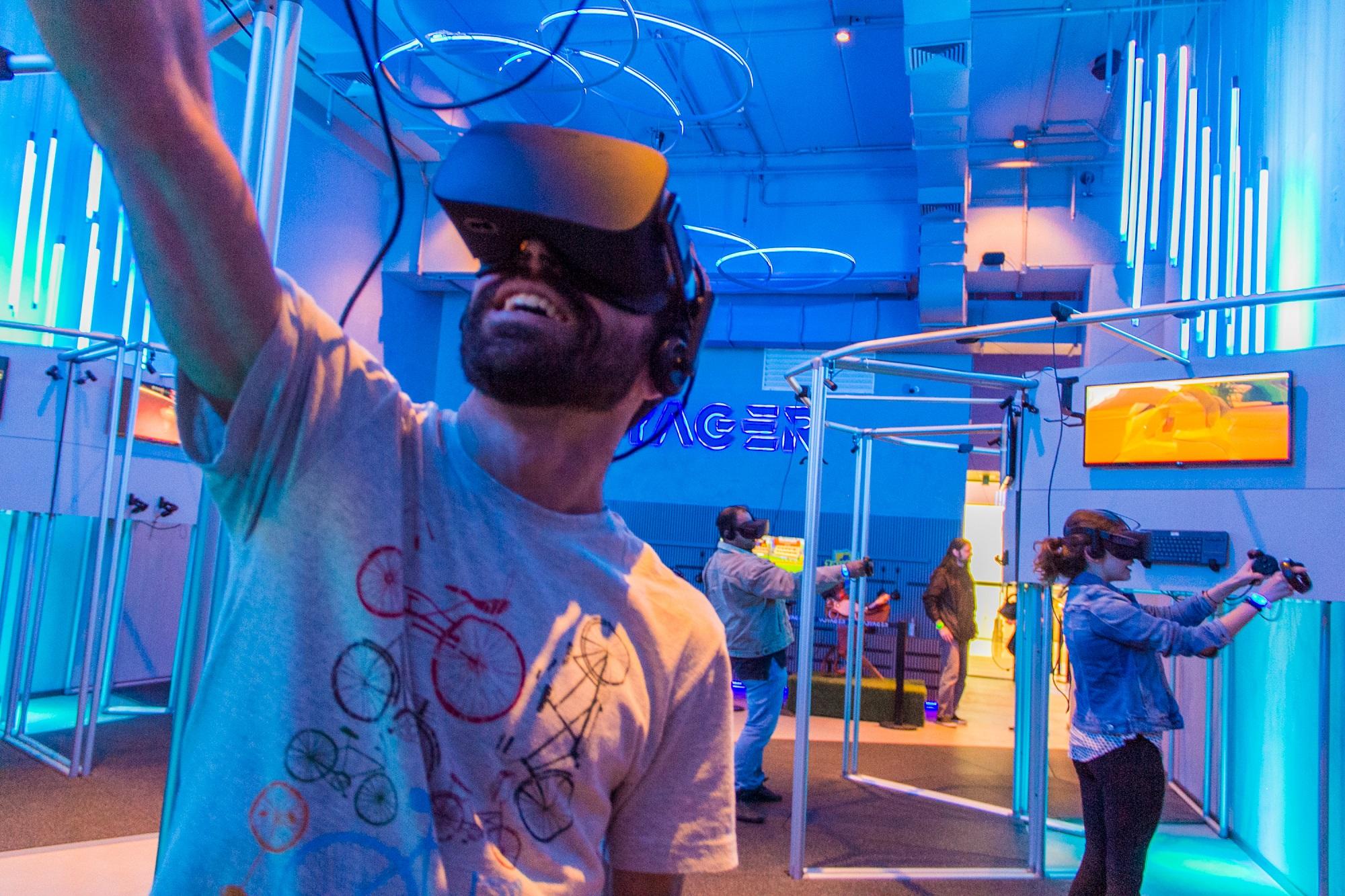 Conheça o centro de games com realidade virtual em Curitiba