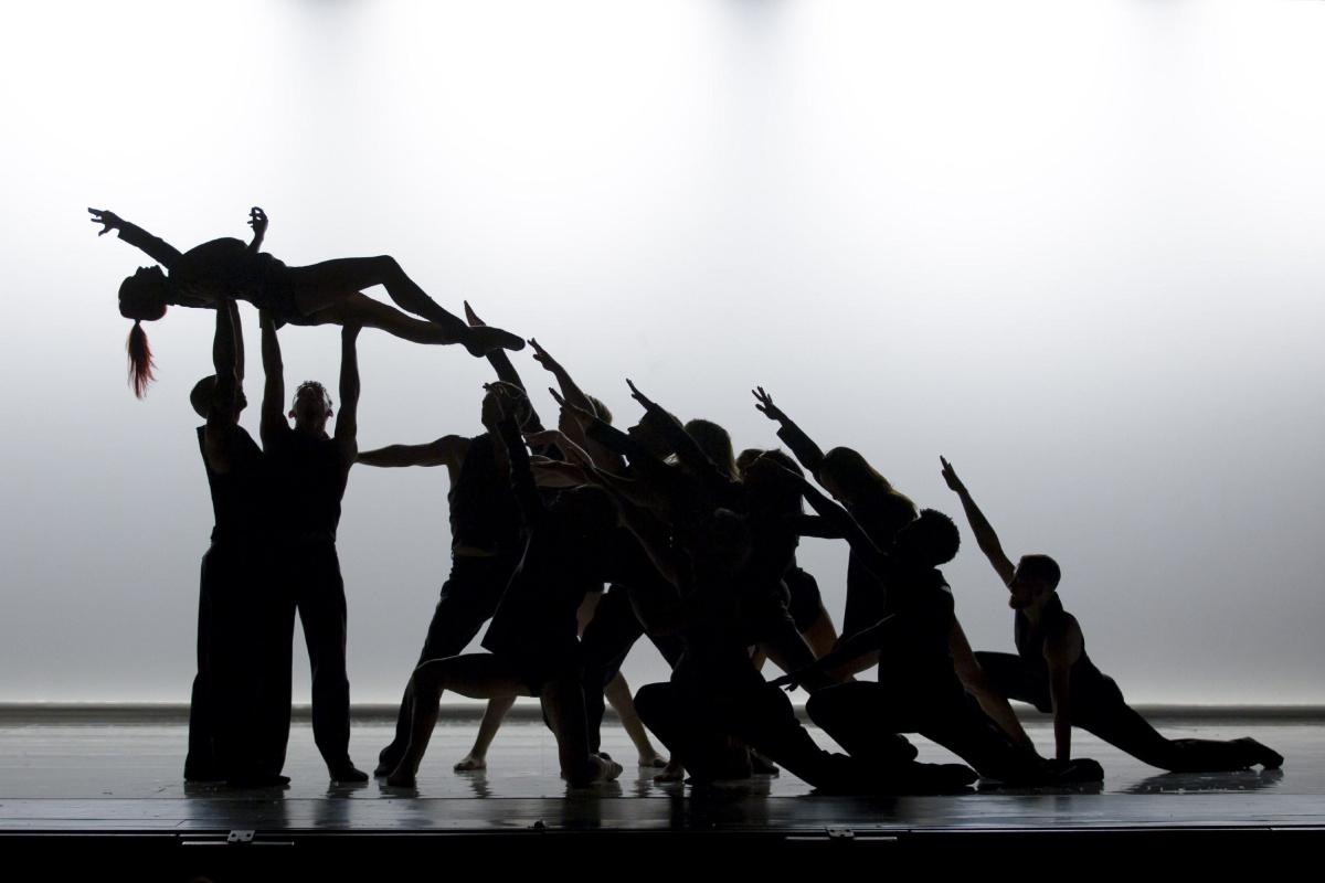 Ballets Jazz de Montréal apresentam homenagem a Leonard Cohen em Curitiba