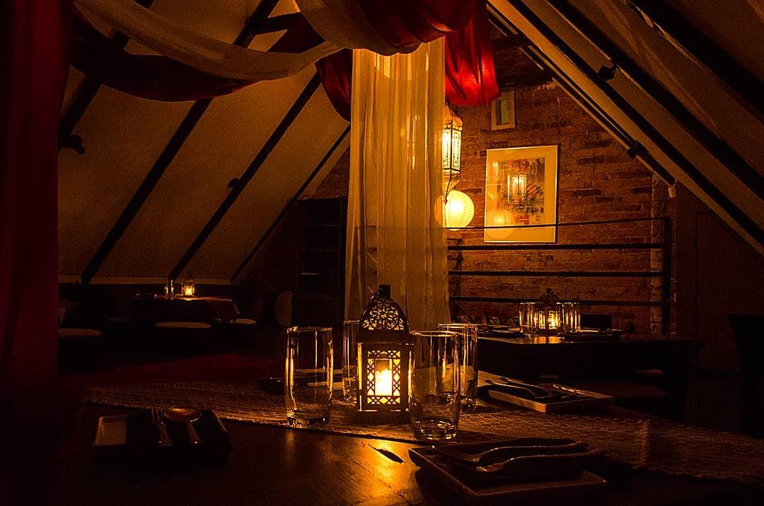 5 restaurantes românticos para levar o mozão e aproveitar o desconto do Clube