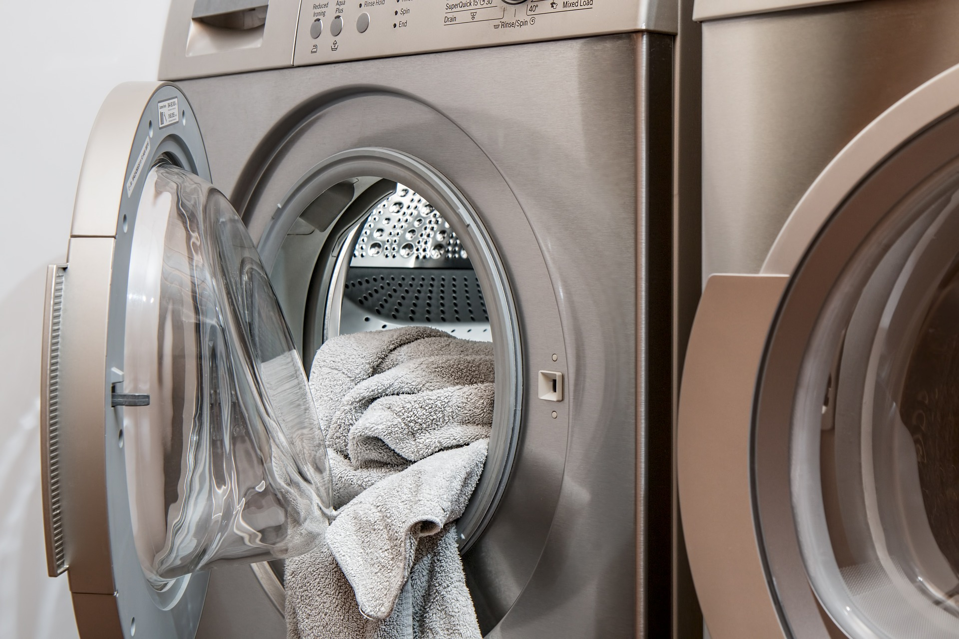 Roupas para lavar fora de casa? Faça isso economizando!