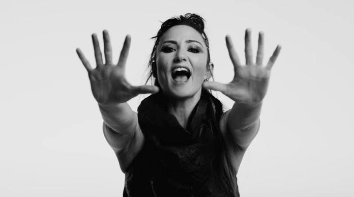 Saiba como conhecer KT Tunstall, dona de hit 'Suddenly I See', neste domingo em Curitiba