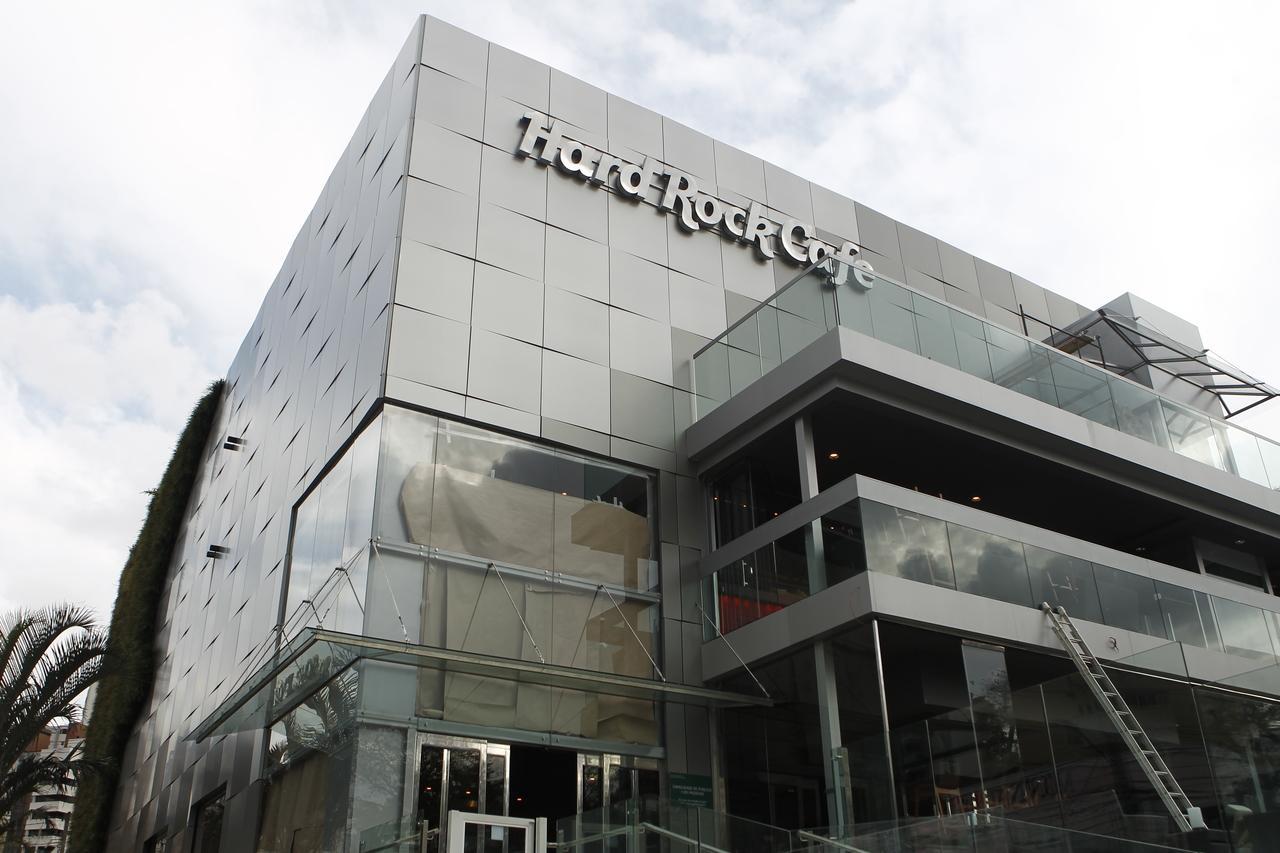 Rock'n Xmas: Hard Rock Cafe terá espetáculo gratuito com clássicos natalinos versão rock