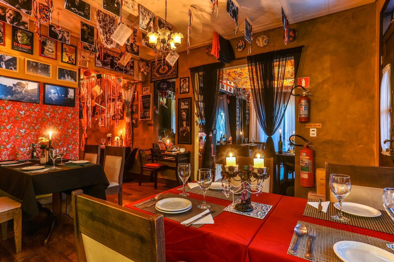 Conheça o restaurante italiano inspirado na máfia