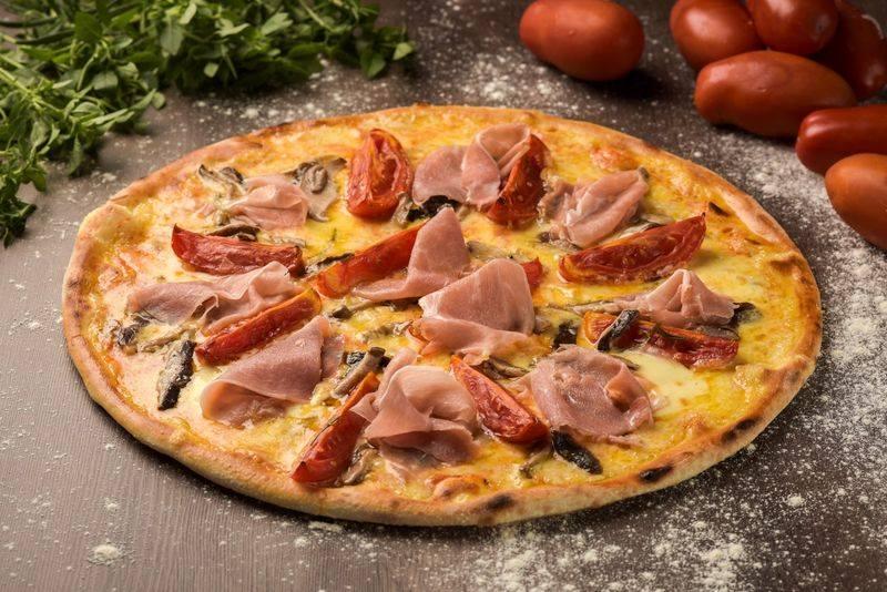 7 pizzas com presunto cru para provar em Curitiba