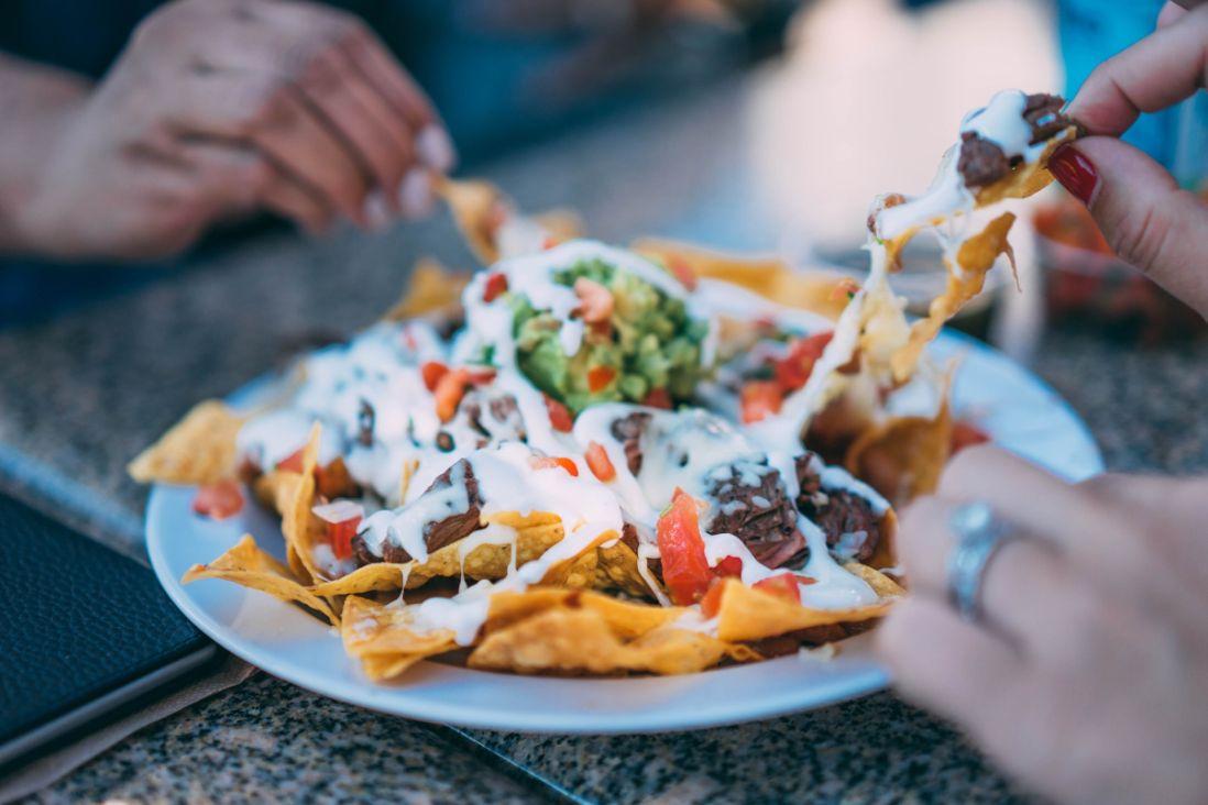 Saiba onde comer nachos com desconto do Clube