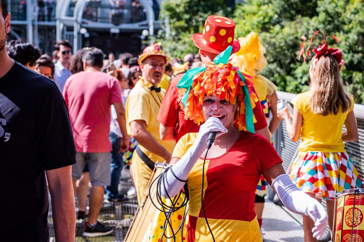 CarnaVale: Ópera de Arame tem música, bloquinhos e baile de máscaras no Carnaval
