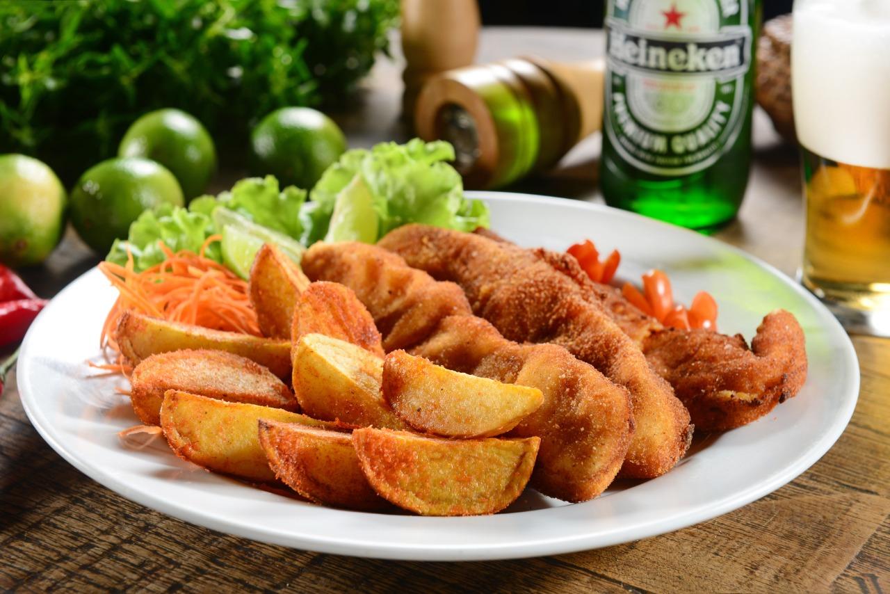 Fish and Chips: onde comer as tradicionais porções de peixe e batata frita