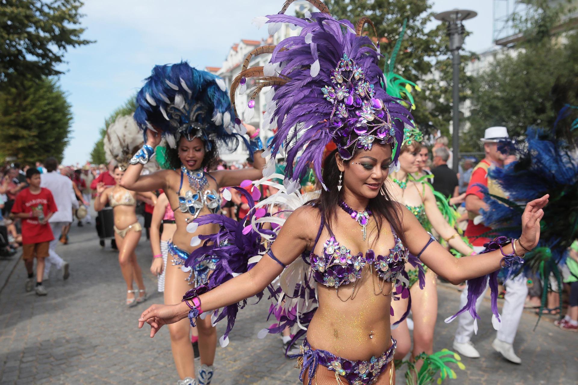Saiba onde pular carnaval com desconto do Clube