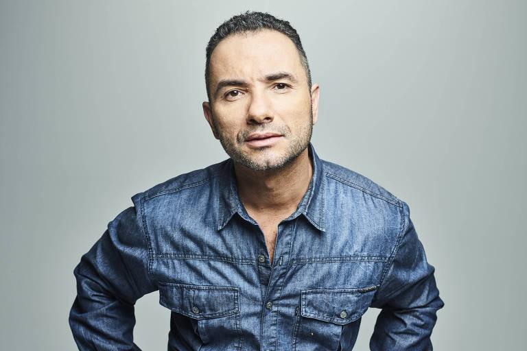 """""""O riso cura a alma"""", diz Marco Luque, que traz novo show para Curitiba"""
