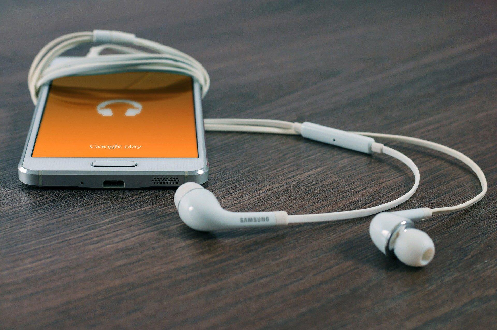 Podcasts para se atualizar e ouvir durante a quarentena