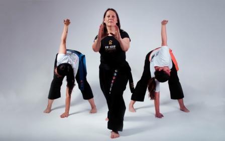 Assinante do Clube tem direito a aulas gratuitas de yoga e arte marcial online
