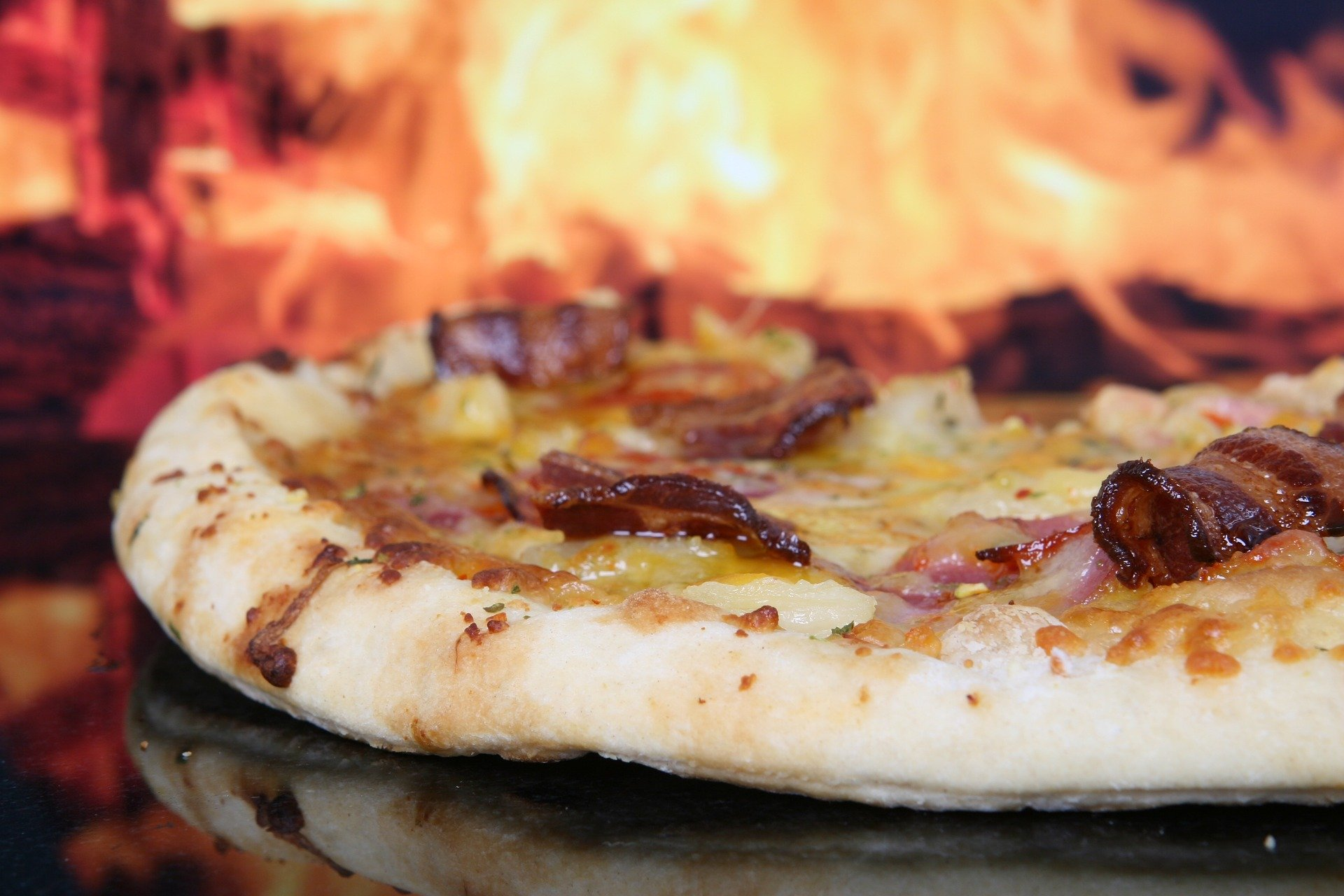 Bacon Lovers: pizzas cheias de bacon para pedir no delivery