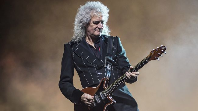 Guitarrista do Queen dá aulas online de guitarra durante a quarentena