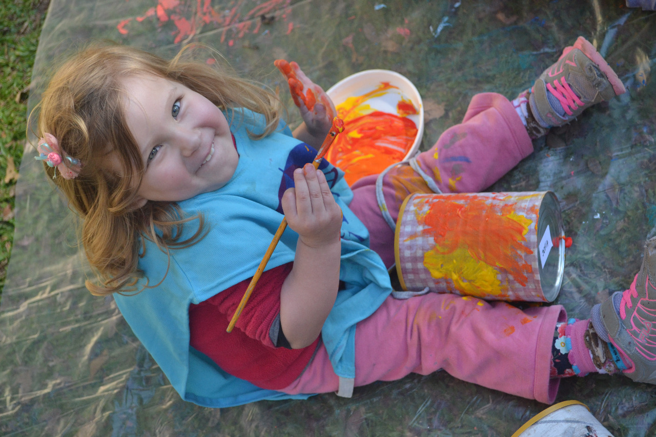 Casa Poppins lança kit de brinquedos artesanais para entreter as crianças