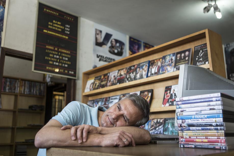 Locadora Dinamarca fecha as portas após 27 anos e liquida seu acervo de filmes