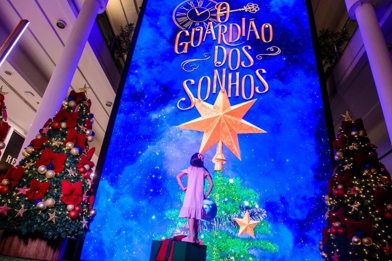 Telão gigante de realidade aumentada em Curitiba te transporta para a magia do Natal