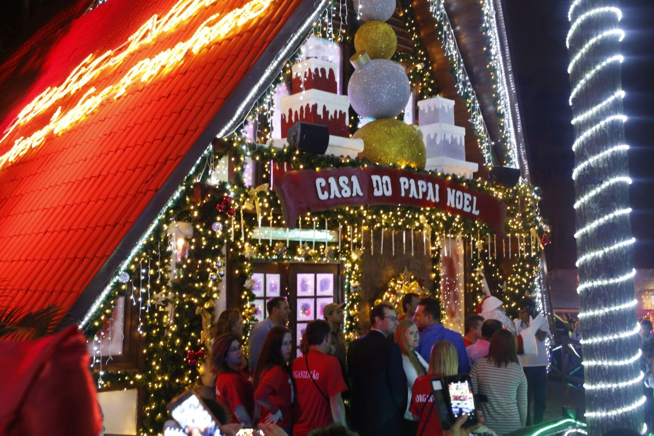 Últimos dias para você ver a casa do Papai Noel em São José dos Pinhais