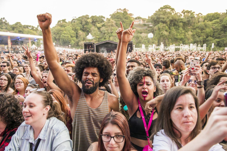 Como fazer um festival de música e promover a circulação de artistas?