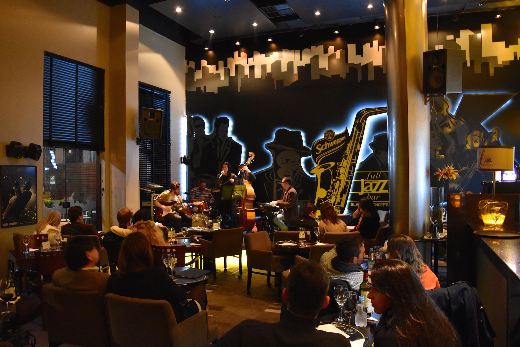 Lista: bares que ficam dentro de hotéis em Curitiba