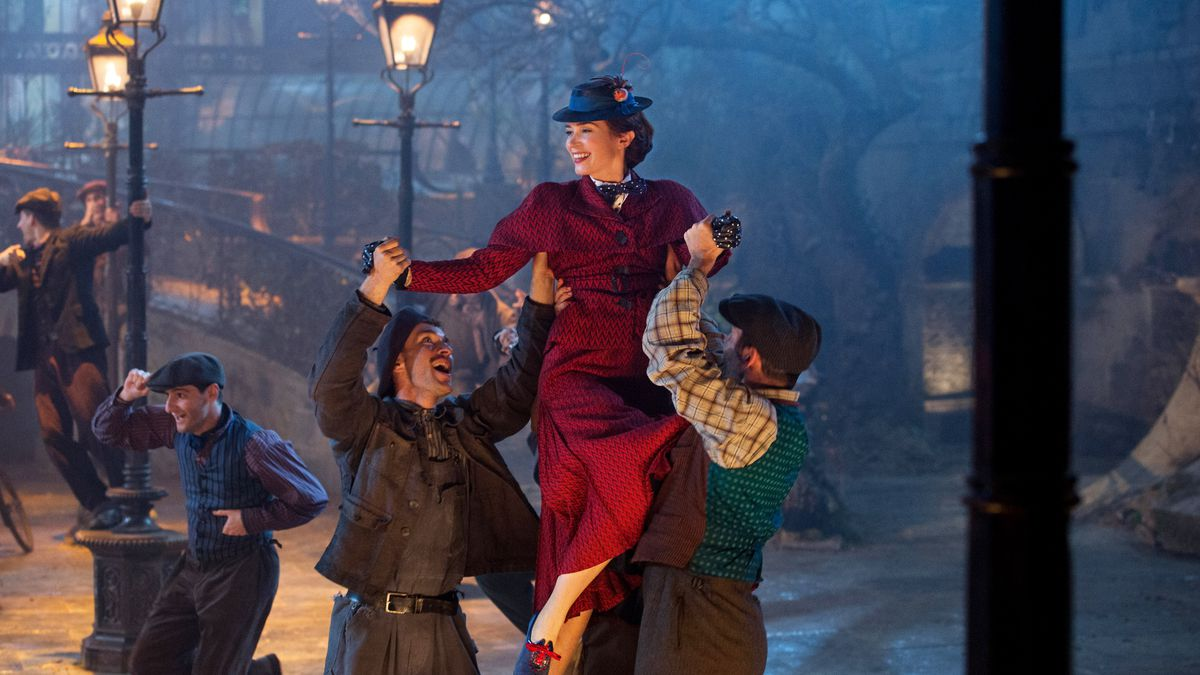 Após 54 anos, Mary Poppins retorna em nova aventura mágica