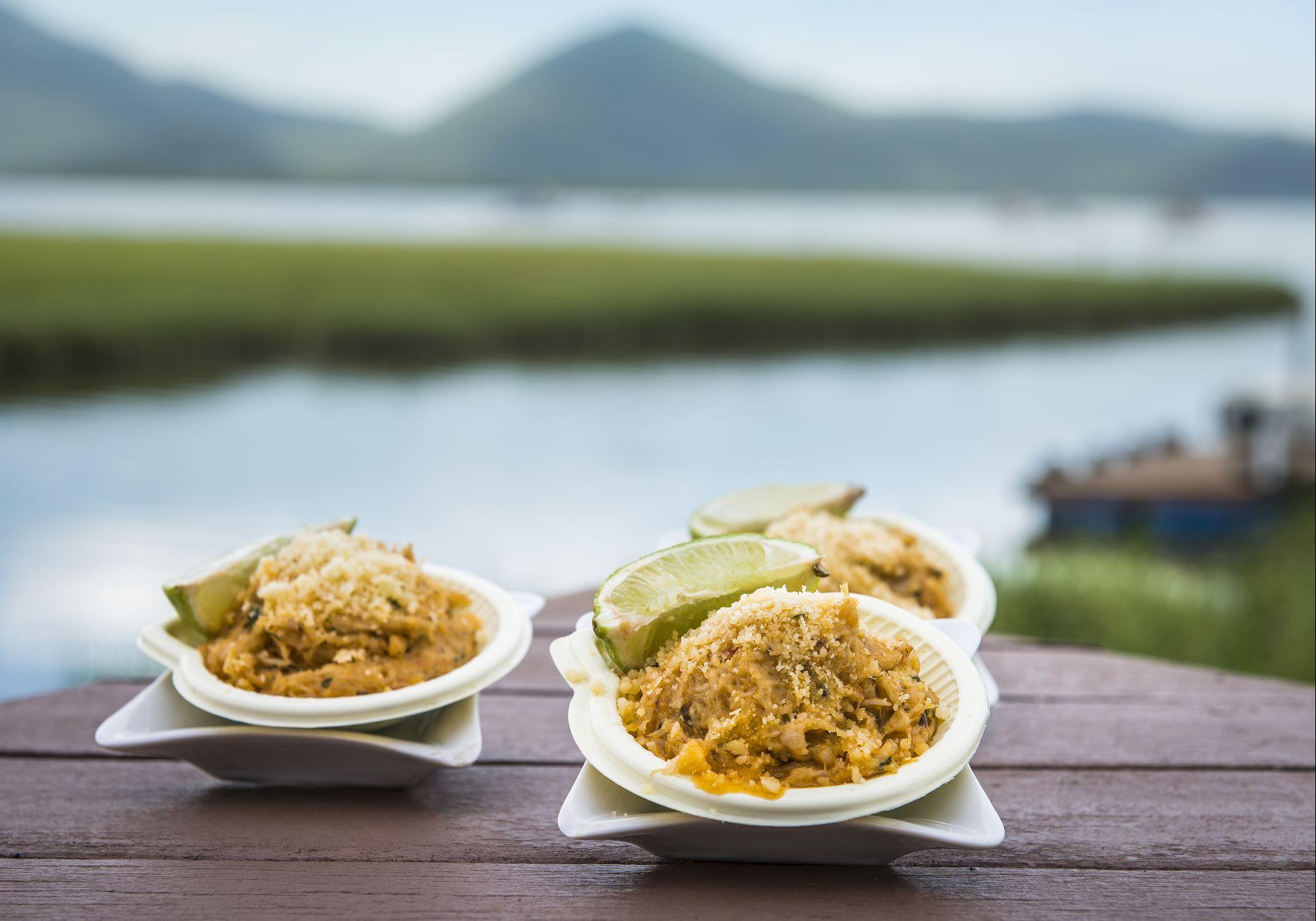 Conheça o restaurante paradisíaco na baía de Guaratuba