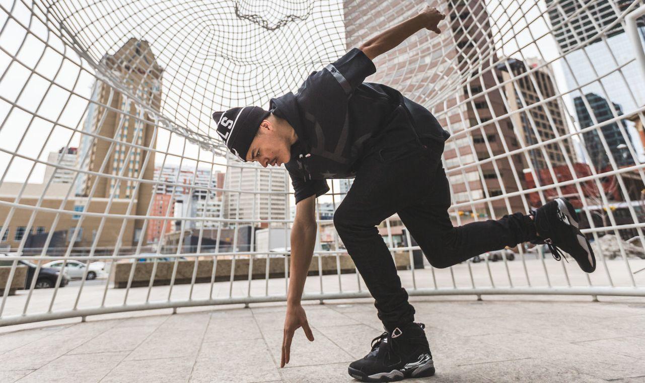 Um dos maiores dançarinos do mundo, King Charles, faz show em Curitiba