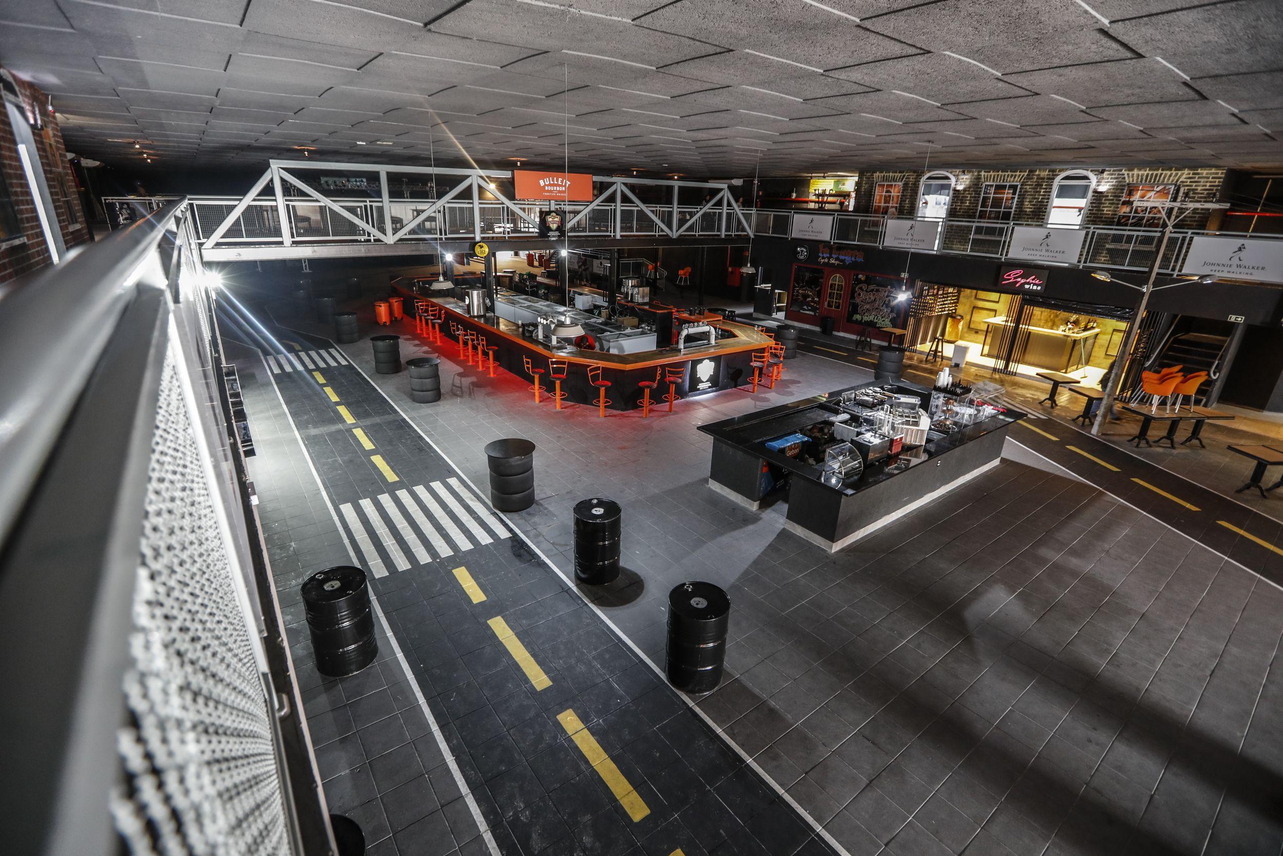 Exclusivo: veja as fotos do maior bar de rock da América Latina em Curitiba