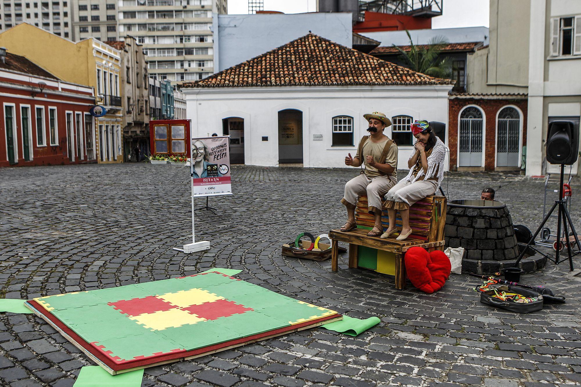 Festival de Curitiba: peças para você ver de graça nas ruas de Curitiba