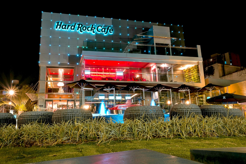 Hard Rock Curitiba fecha rua e traz 10 horas de shows de graça no Dia Mundial do Rock
